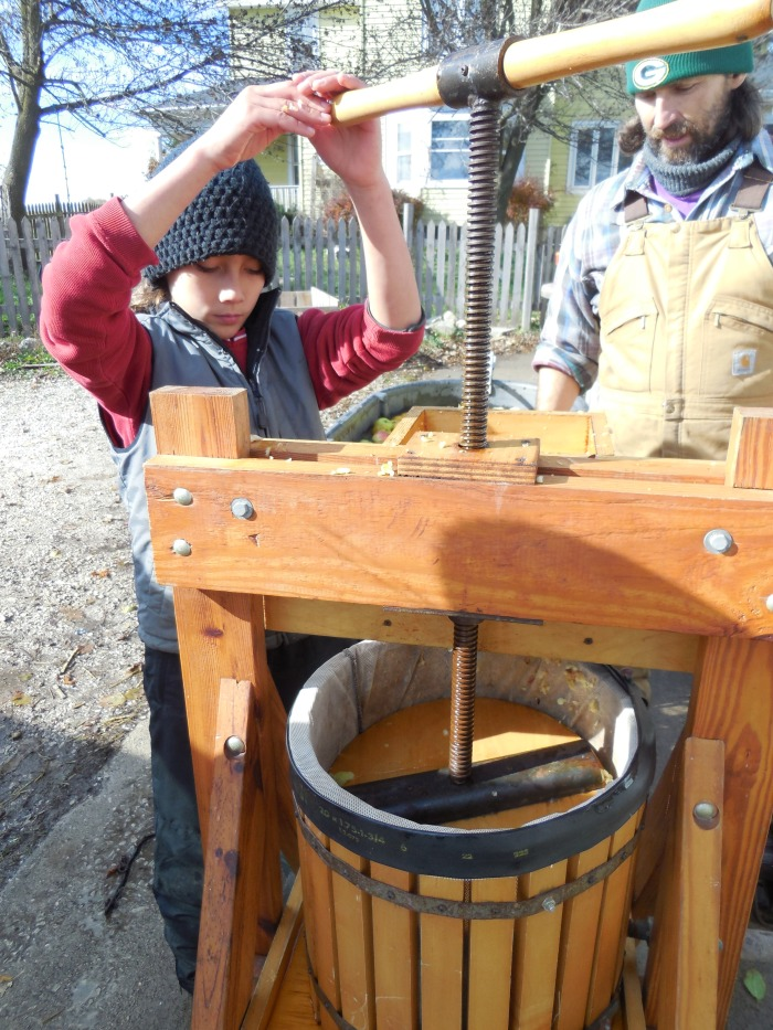 apple pressing 2
